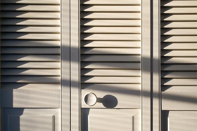 Skříňové dveře