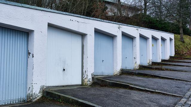 klasická řadová garáž