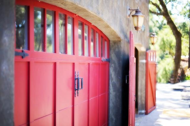 ozdobná garážová vrata